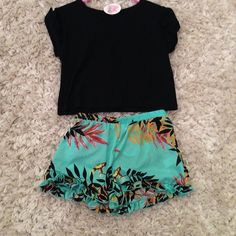 Tropical Shorts with a Black Crop Top <3 #surfgypsy