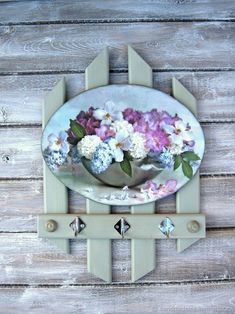 Rice Paper Decoupage, Decoupage Art, Decoupage Vintage, Shabby Chic Signs, Primitive Wood Crafts, Hydrangea Arrangements, Diy Crafts How To Make, Rustic Wood Signs, Frame Crafts