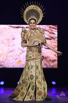The Binibining Pilipinas 2018 beauty pageant has announced the Top 10 candidates for Best in National Costume special award during a fashion show held at the Kia Theater in Cubao, Quezon City recently. Philippines Dress, Modern Filipiniana Dress, Filipino Fashion, Tribal Costume, Filipino Tribal, Filipino Culture, Maria Clara, Tribal Fashion, Elegant Dresses