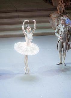 Svetlana Zakharova in Sleeping Beauty (Photo: Nikolay Krusser)