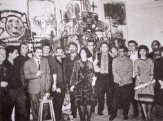 """""""The 10+group"""".      קבוצת """"10+"""" נולדה ב-65' בביתו של רפי לביא ברמת גן. מייסדיה היו עשרה אמנים: לביא, בוקי שוורץ, ציונה שמשי, פנחס עשת, טוביה בארי, אורי ליפשיץ, מתי בסיס, מלכה רוזן, יוסי גטניו ובני אפרת. מטרת ההתאגדות היתה לאפשר לאמנים צעירים להציג בתקופה שבה היו מעט גלריות, ואלה שהיו הציגו רק את הגוורדיה הוותיקה והמכובדת. במשך חמש שנות פעילותה הציגה הקבוצה, יחד עם אמנים אורחים (שנקראו """"פלוס""""), עשר תערוכות בנושאים שונים, בהם """"ונוס"""", """"בעיגול"""", """"עבודות גדולות"""", """"באדום"""" ו""""מיניאטורות""""."""