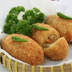 Kroket kentang - Indonesian Potato Croquettes #Indonesian recipes #Indonesian cuisine #Asian recipes #Asian cuisine http://indostyles.com/