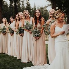 Laugh like there's no tomorrow ✨ Moments like this makes our hearts so full of love. How pretty is this soft, neutral palette? This beautiful group and moment captured by @victoriacarlsonphoto ✨ Tag someone you know who would love this! More dresses on our site, link in bio. . . .
