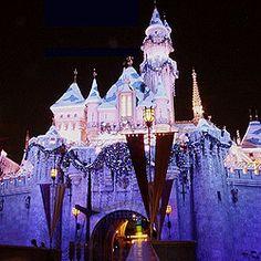 Disneyland Resort music - ParkTunes