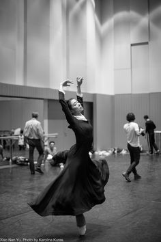 Principal Dancer Xiao Nan Yu rehearses last minute before taking the stage as Paulina. Photo by Karolina Kuras