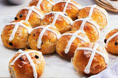 Classic Hot Cross Buns—Traditionally enjoyed on Good Friday, this raisin-flecked, cross-adorned dessert is a favourite Easter treat. Add an extra half cup and omit the mixed peel or apricots. Easter Recipes, Holiday Recipes, Easter Ideas, Easter Decor, Easter Hot Cross Buns, Canadian Living Recipes, Cross Buns Recipe, 4 Ingredient Recipes, Bread Bun