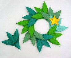 笹の葉(リース)完成図 Origami Ring, Origami Wreath, Origami Leaves, Origami And Quilling, Kids Origami, Origami And Kirigami, Paper Crafts Origami, Origami Stars, Origami Flower Bouquet