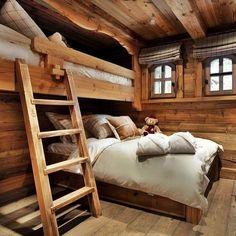 Fint sovrum i fjällstuga någonstans i Sverige. Härlig dekoration.