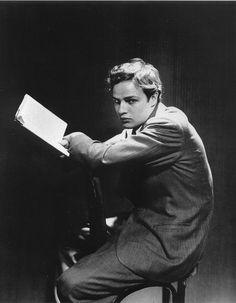 Marlon Brando, 1946, reads