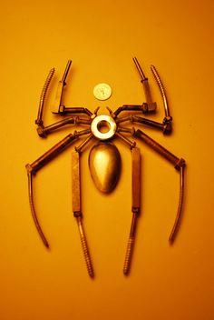 Ähnliche Artikel wie Spiderman 3-Logo hergestellt aus recyceltem Metall auf Etsy
