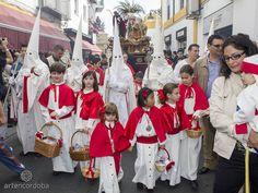 Hermandad de la Entrada Triunfal - La Borriquita, Córdoba. Domingo de Ramos. Barrio de San Lorenzo. Semana Santa. Itinerarios. Vídeos. Fotos.