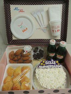 Valentines Gifts For Boyfriend, Boyfriend Gifts, Valentine Gifts, Jar Gifts, Food Gifts, Lolly Cake, Recipe Box, Party Favors, Brunch