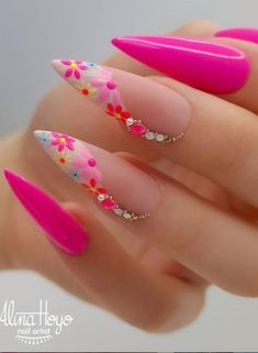 Do you want to try more bold and edgy nails? Then fine stiletto nails are your best choice. Check these amazing nail galleries together Dope Nails, Swag Nails, Edgy Nails, Fancy Nails, Pretty Nails, Nagel Bling, Stiletto Nail Art, Coffin Nails, Summer Stiletto Nails