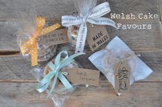 Samantha from Naturally Crafty is back today with her easy peasy step-by-step guide to making DIY Welsh Cake wedding favours