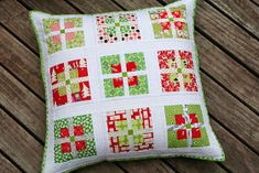 wooden spoon quilts: Three Christmas Pillows