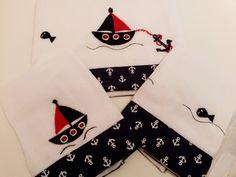 3 Fraldas Luxo Branca Cremer Marinheiro    Nossos produtos são personalizados e exclusivos para dar toda sofisticação e conforto para seu neném...As cores dos apliques e barra podem ser alterados além da inclusão do nome de acordo com o gosto das mamães.    Medidas  2 fraldas tamanho: 33 cm x ...