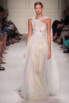 These 44 dresses from fashion week are all you'll need for your wedding inspiration: Marchesa