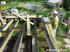 How to lay decking - Deck Joists - Deck Beam Deck ledger board - Deck Lag screw Construction Patio, Patio Plan, Deck Building Plans, Deck Framing, Terrasse Design, Porch Veranda, How To Build Steps, Wrap Around Deck, Victorian Design