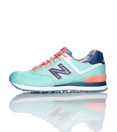 NEW BALANCE Low top sneaker Front lace closure Padded tongue with logo Signature logo on sides Cushioned sole for ultimate comfort