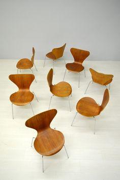 Set van zes Arne Jacobsen, vlinderstoelen / Set of six Arne Jacobsen chairs 16516