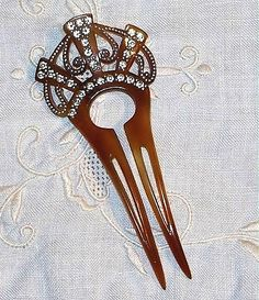 Antique Hair Comb/Pin at magoovintage Vintage Hair Combs, Vintage Hair Accessories, Bridal Accessories, Wedding Jewelry, Victorian Hairstyles, Vintage Hairstyles, Antique Jewelry, Vintage Jewelry, Retro Updo