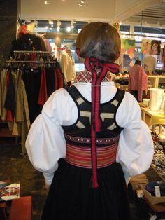 Rygg Beltestakk / Bildegalleri / Beltestakk / Telemarksbunad - Stoffbua Going Out Of Business, Alter, Norway, Costumes, Scandinavian, Women, Image, Fashion, Hipster Stuff