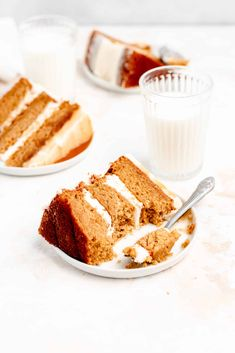 This easy from-scratch carrot cake recipe uses simple ingredients to make the best moist and perfectly spiced homemade carrot cake. Paired with fluffy cream cheese frosting this is the only carrot cake recipe you need! Best Cake Recipes, Sweet Recipes, Cookie Recipes, Dessert Recipes, Amazing Recipes, Homemade Carrot Cake, Best Carrot Cake, Desserts Ostern, Easy Desserts