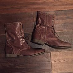 Steve Madden Troopa boots Great condition, barely worn Troopa boots from Steve Madden. No box or trades. Steve Madden Shoes Combat & Moto Boots