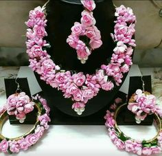 Flower jewellery Can be customised in any colour for Price! Bridal Necklace Set, Floral Necklace, Indian Bridal Jewelry Sets, Bridal Jewellery, Indian Flowers, Pink Flowers, Flower Ornaments, Necklaces, Flower Jewelry