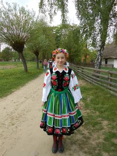 Young girl in a Polish national costume from the Sierpce skansen