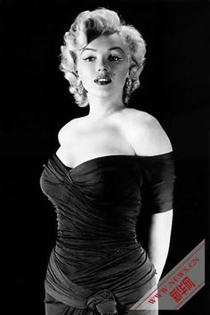 """No other woman has made Hollywood allure timelessly appealing like Marilyn Monroe. Those infamous curves, smouldering half-opened eyes and signature breathy voice are unforgettable."""" - Glamour editor"""