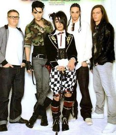 Kanon from An Cafe and Tokio Hotel. Why am I just now seeing this?!