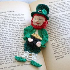 Lucky Irish Leprechaun bookmark Pattern  http://www.craftsy.com/pattern/crocheting/other/lucky-irish-leprechaun-bookmark-/1119