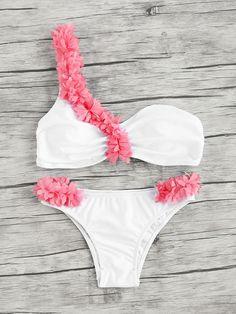 Shop Contrast Flower Embellished One Shoulder Bikini Set online. SheIn offers Contrast Flower Embellished One Shoulder Bikini Set & more to fit your fashionable needs. Trendy Swimwear, Cute Swimsuits, Bikini Swimwear, Beach Swimsuits, Swimwear Sale, Bandeau Bikini, The Bikini, Bikini Tops, Bikini Girls