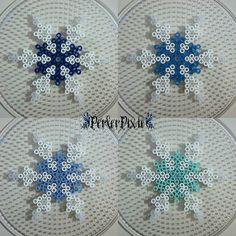 Blue Snowflakes by PerlerPixie on DeviantArt Christmas Perler Beads, Diy Perler Beads, Perler Bead Art, Melty Bead Patterns, Perler Patterns, Beading Patterns, Rainbow Drinks, Peler Beads, Iron Beads