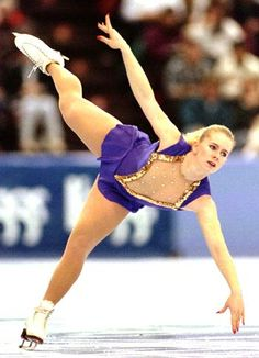 Tonya Harding (United States of America) Tonya Harding, Body Inspiration, Fitness Inspiration, Kurt Browning, Nancy Kerrigan, Figure Skating Competition Dresses, Planet 1, Olympic Gold Medals, Women Figure