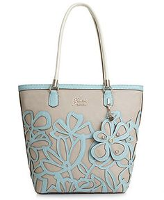 27353530 GUESS Handbag, Floren Small Carryall & Reviews - Handbags & Accessories -  Macy's