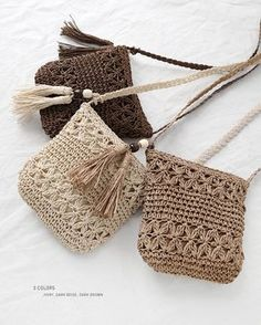 crochet woven bag models step by step Crochet Purse Patterns, Crochet Tote, Crochet Baby Shoes, Crochet Handbags, Crochet Purses, Free Crochet, Knit Crochet, Sewing Patterns, Chunky Crochet