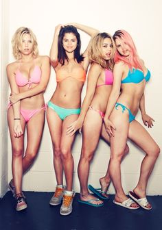 trailer: spring breakers starring james franco, selena gomez + vanessa hudgens directed by harmony korine