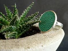 Emerald green stingray leather ring shagreen ring by BerlinGlam