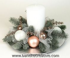 If you cant afford a lot you can make simple changes in such little things and then see the different entire outlook of your home. There are some useful Christmas tablescapes ideas that you must try this time on Christmas. Rose Gold Christmas Decorations, Christmas Table Centerpieces, Christmas Arrangements, Christmas Tablescapes, Christmas Flowers, Christmas Candles, Rustic Christmas, Christmas Home, Christmas Wreaths