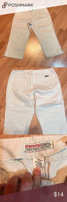 "Aeropostale Capris Great condition. No flaws. Measures 8"" on rise. Inseam 18"" Size 7/8 Aeropostale Pants Capris"
