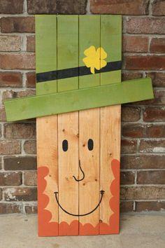 Patrick'S by woodworksbyjosh St Patrick's Day Crafts, Holiday Crafts, Home Crafts, Diy And Crafts, Holiday Decor, Holiday Signs, Pallet Crafts, Pallet Art, Wooden Crafts