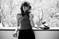 """A cantora Blubell mostra as músicas de seu segundo álbum """"Eu sou do tempo em que a gente se telefonava"""" em show que acontece nesta sexta-feira, 6, na Livraria Cultura do shopping Villa-Lobo, às 20h. A apresentação tem entrada Catraca Livre."""