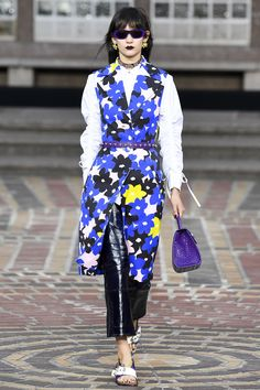 Again some Marimekko inspiration seen in collections. Kenzo Spring 2018 Ready-to-Wear  Fashion Show Collection