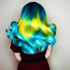 Hair inspiration from @phildoeshair using Mermaid Blue Sky and Yellow from @joico @joicointensity. Get the direct dye at Paramount Beauty. Link in description.