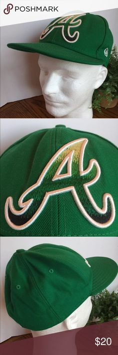 Atlanta Braves Baseball Hat New Era 59Fifty Green This listing is for a NWOT New Era 59Fifty Green Atlanta Braves Baseball Hat Size 7 1/8.  RN 11493.  Genuine MLB Merchandise.   We LOVE finding unique and special hats ... of all kinds. Some are new and some have been pre-owned. We sell NFL, NBA, NHL, and MLB hats. NCAA hats and NASCAR hats. We find other great hats like this one ...   Comes from a smoke free and pet free environment. Hat will be shipped in a box to prevent it from from…