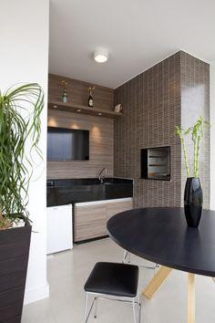 revestimento churrasqueira pré moldada Flat Screen, Decor, Furniture, House, Table, Home, Conference Room Table, Home Decor, Room