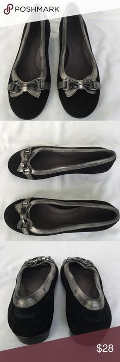 AEROSOLES Flats - SIZE 6.5 AEROSOLES Flats  Size 6.5 Black Suede w/ Silver and Metallic Trim Rubber Sole Double-Padded Memory Foam Insole  MINOR SCUFF ON THE HEEL OF THE SHOES AEROSOLES Shoes Flats & Loafers