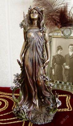 Alphonse Mucha - Lily (Alphonse Mucha Flowers Series Art Nouveau Lady Statue Figure)